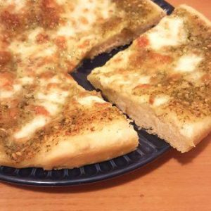 PIZZA CON PESTO