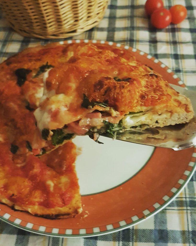 PIZZA 4 PIANI - Non è una pizza rustica, non è una pizza classica. Questa è la nuova pizza!